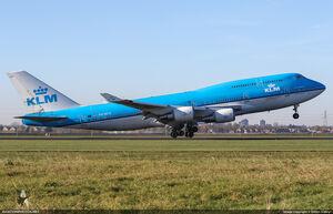 Boeing 747-406M